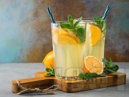 Домашна цитронада с лимонов сок, пудра захар и газирана вода (сода) - снимка на рецептата